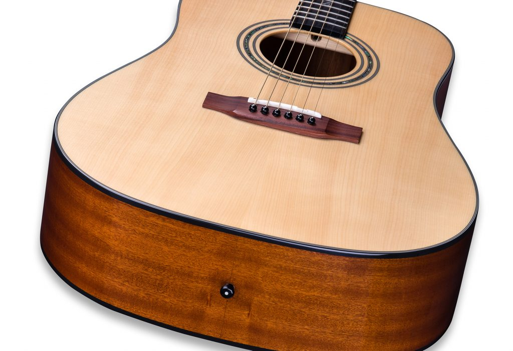 ZAD20 Solid Spruce/Mahogany Acoustic Natural