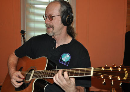 Dale Herr recording with a Zager Guitar