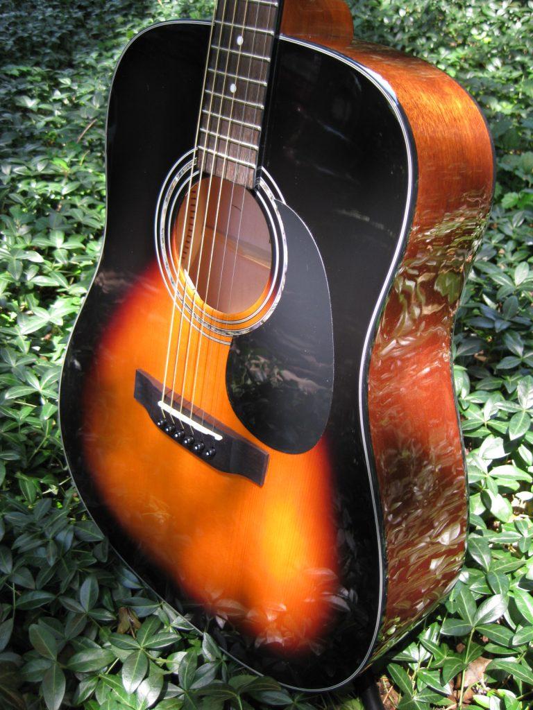 ZAD20 Solid Spruce/Mahogany Acoustic Vintage Sunburst (Discount)